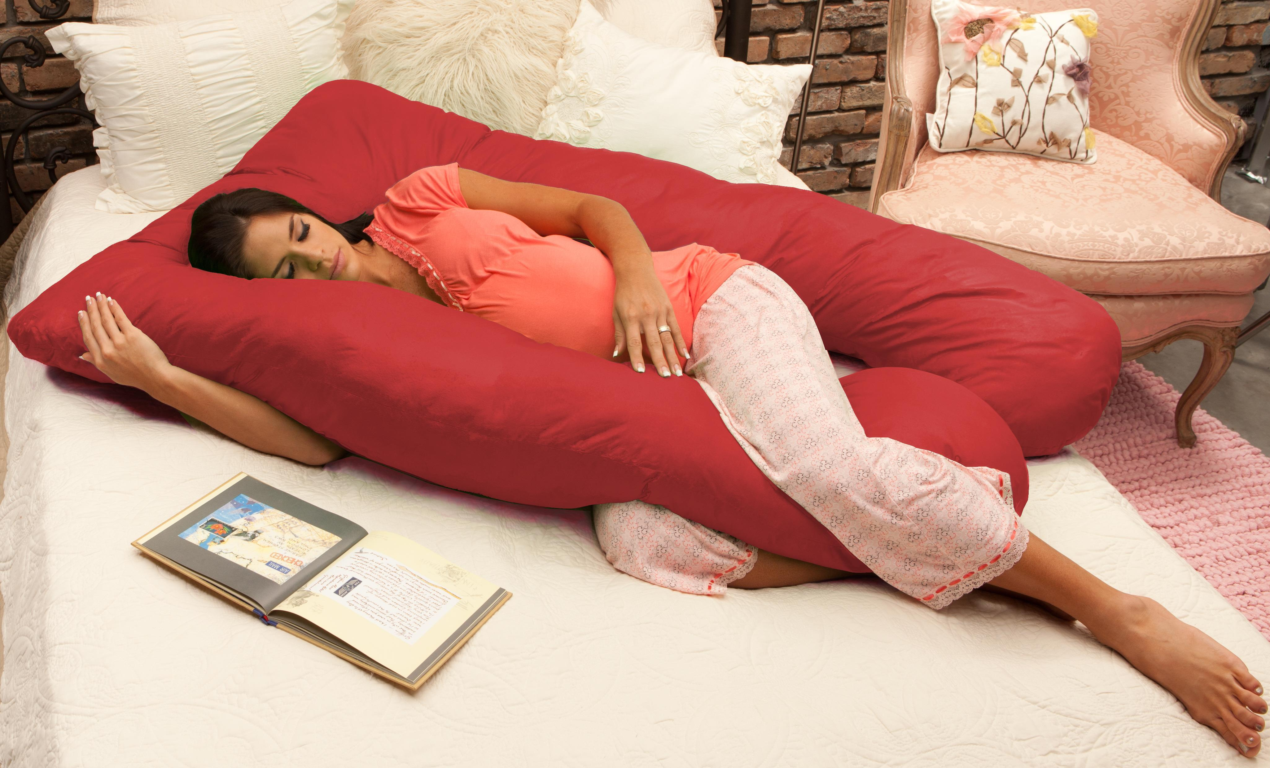 Pregnancy Body Pillow: Factors to Consider Before Buying a Maternity Body Pillow