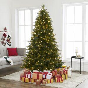 Naomi Home Traditional Christmas Tree with Lights